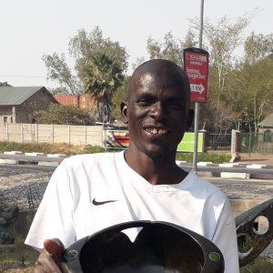 Esau Kariuriu
